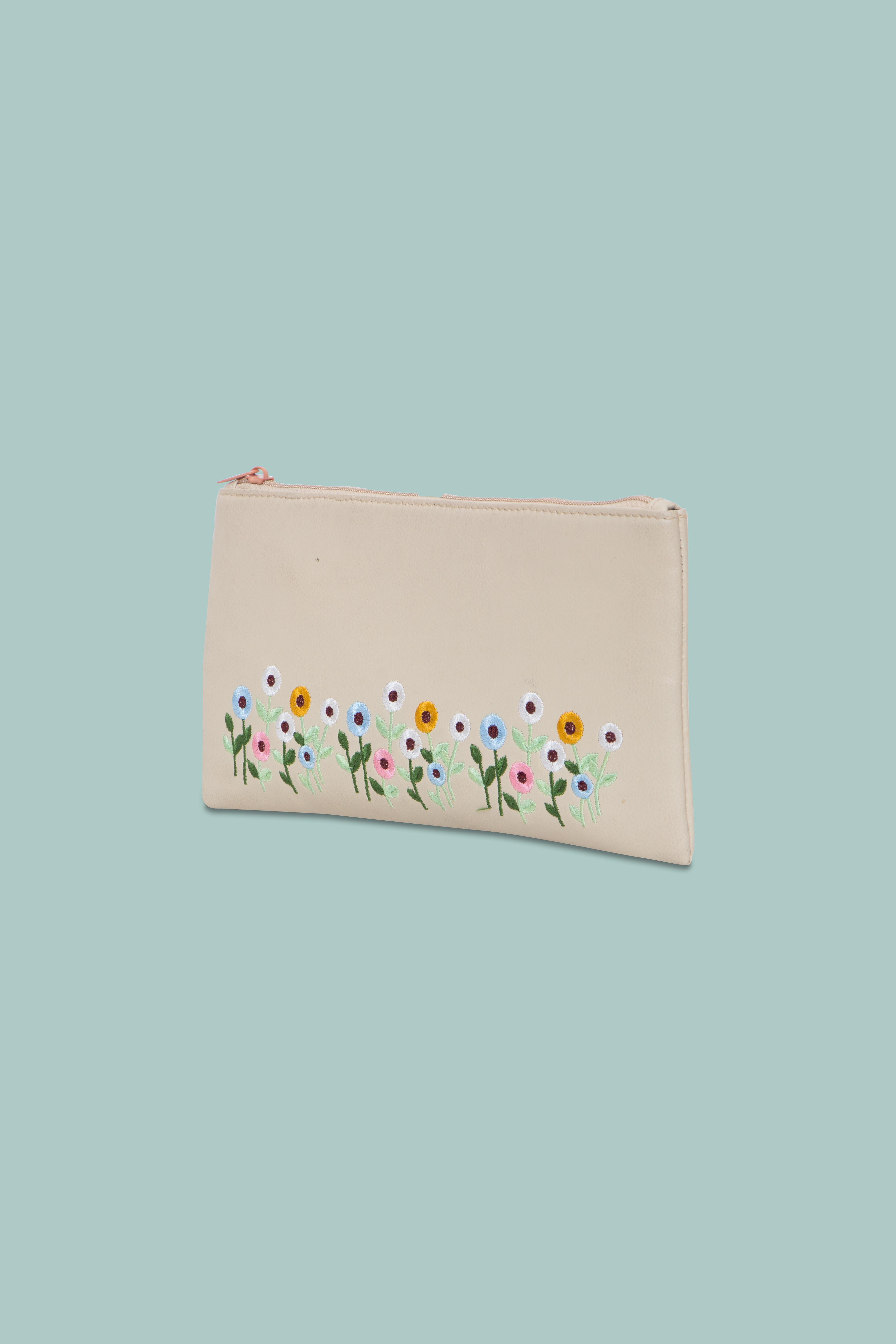 Folle Embroidery Beige Clutch