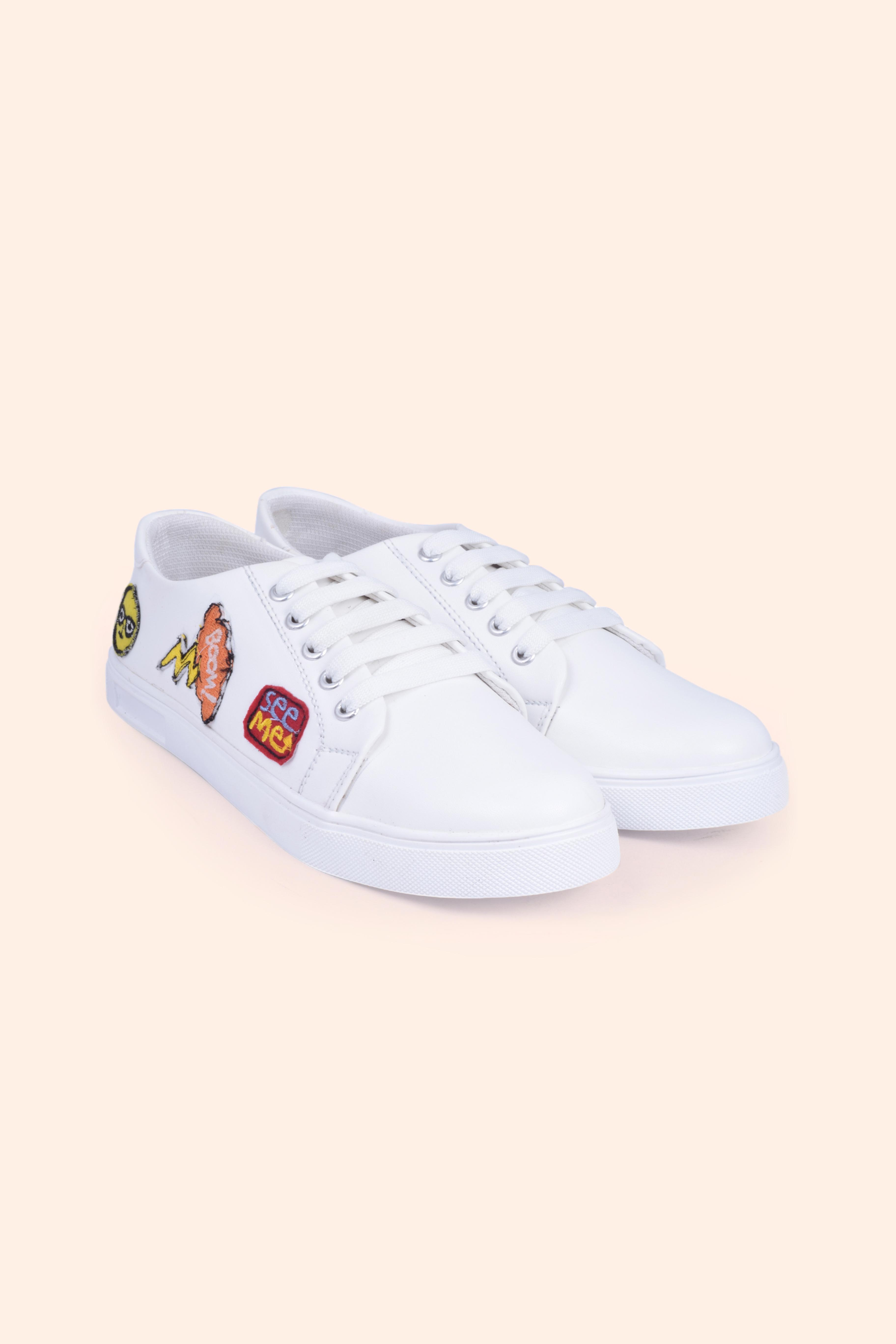 Folle Funky Sticker White Embroidery Casual Sneakers