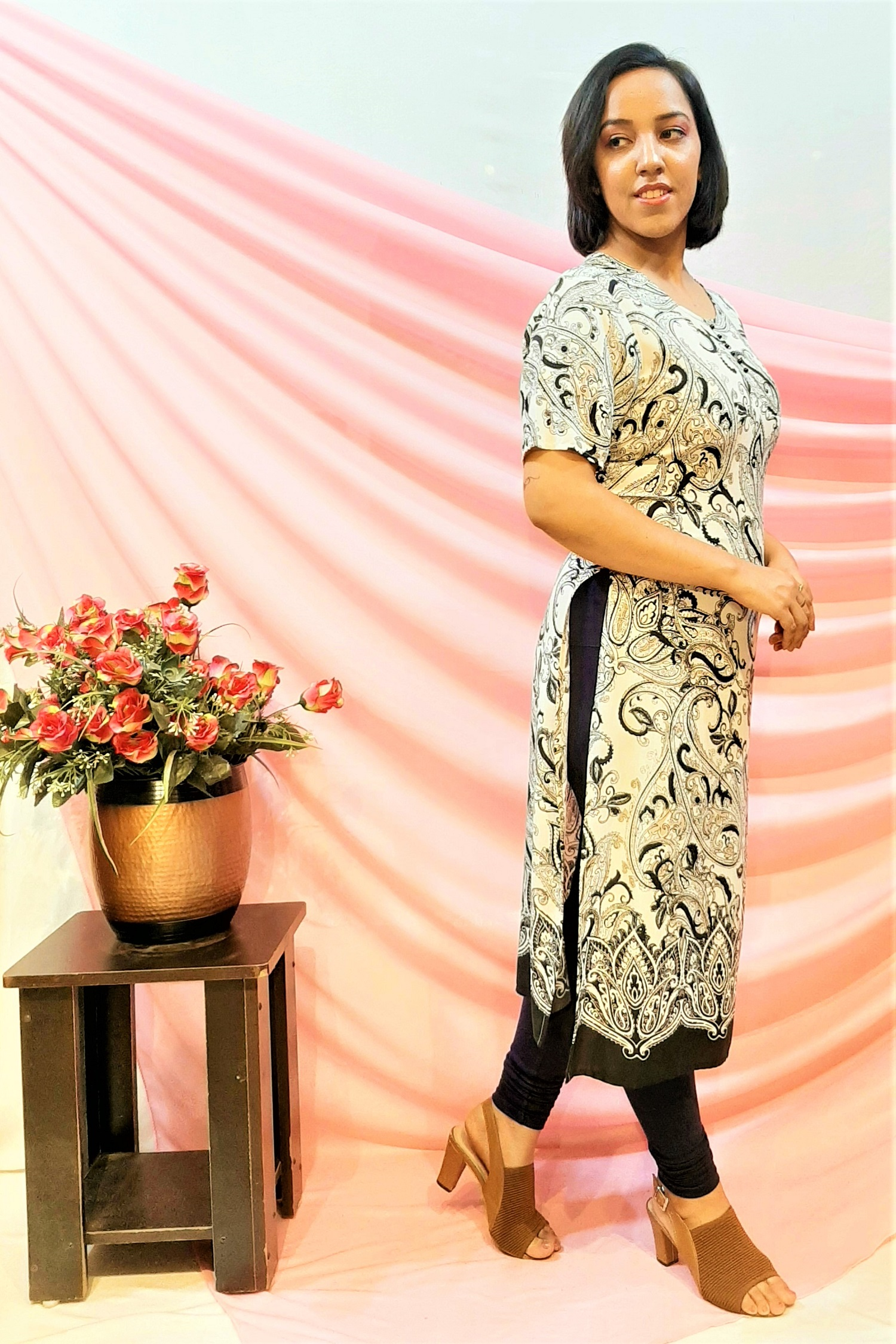 Folle Indo Western White Print Knotted Kurti